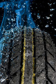 Tire with water drop — Stockfoto