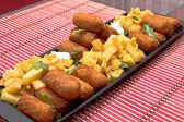 Kroketter och pommes frites — Stockfoto