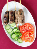 Kofta plate and salad from above — Stock Photo