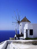 Santorini windmolen — Stockfoto