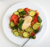Italian chicken with courgettes and beans from above — Stock Photo