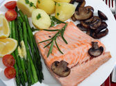 Salmon and vegetables meal — Stock Photo