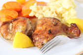 Lemon chicken meal — Stock Photo