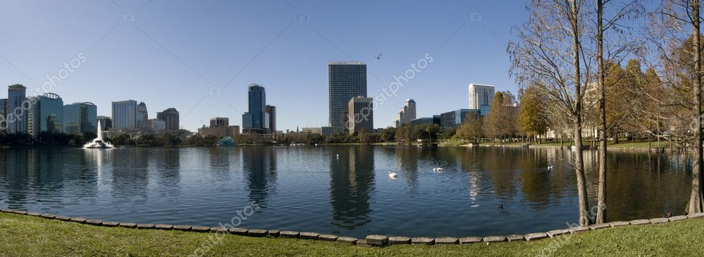 Panorama of Lake Eola in Orlando, Florida. — Stock Photo #7106317