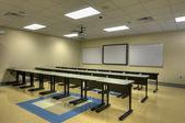 在中学的空教室 — 图库照片