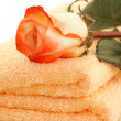 Rose and towels — Stock Photo
