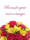 Bouquet di rose e fressias — Foto Stock