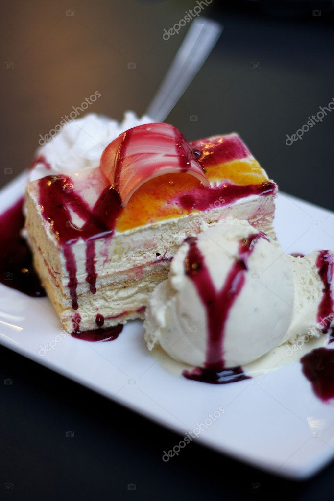 Piece of cake with ice-cream — Stock Photo #7370784