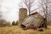 Upadł stodoła powrót — Zdjęcie stockowe