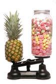 Balancing healthy eating and junk food — Stock Photo