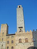 Oude toren van de stad van san gimignano, de toscaanse stad van torens — Stockfoto