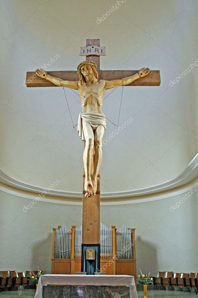 Wooden large crucifix in a Italian Catholic church — Stock ...