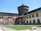 Torre del castello sforzesco en milán, italia — Foto de Stock