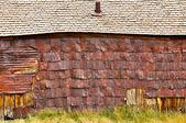 Old barn in Bodie village — Stock Photo