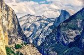 Yosemite landscape with Half Dome — Stock Photo