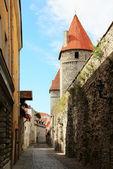 Straat in oud tallinn — Stockfoto