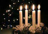 Christmas advent wreath with burning candles — Stok fotoğraf