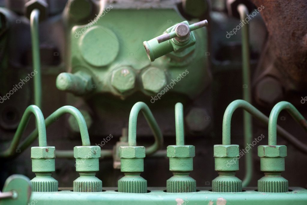 Fuel injectors with spark plugs on vintage machine — Foto Stock #7186243