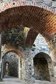 Ruína antiga com arcos — Fotografia Stock