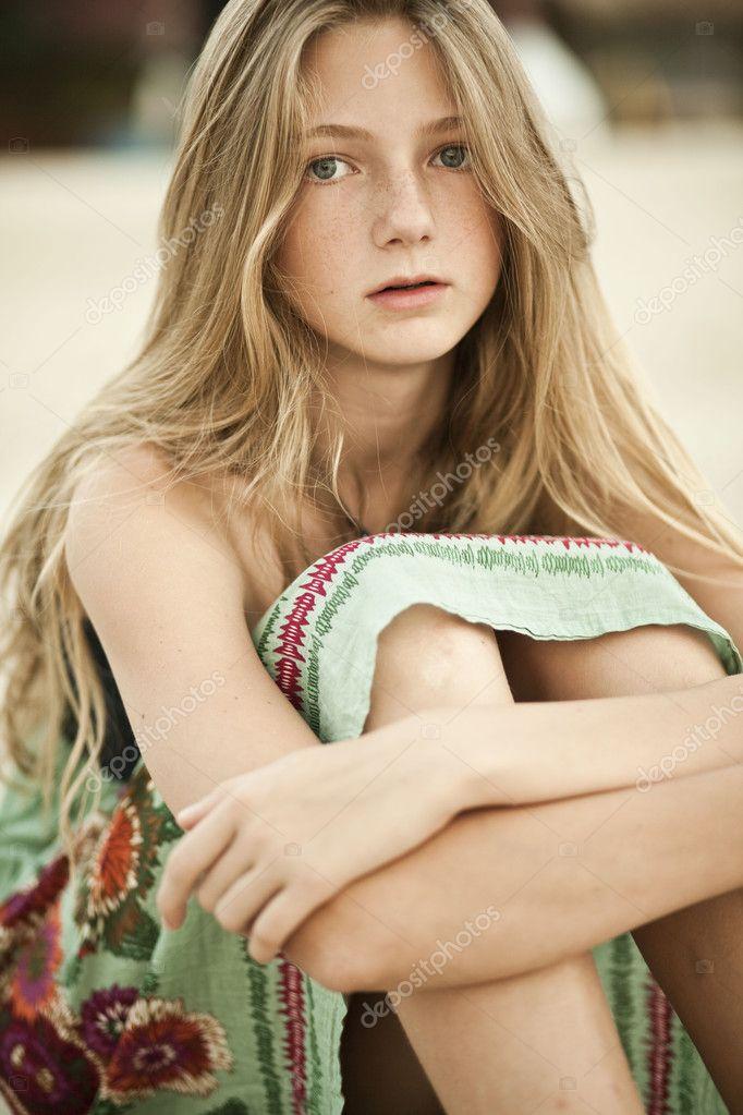 Teengirl Nude
