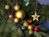 Multicolor Christmas tree ornaments — 图库照片