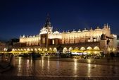 Krakow's Market Place and Cloth Hall — Stockfoto