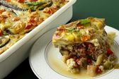 "Baked grinded meat with vegetable and ""bechamel sauce"" — Stock Photo"
