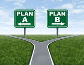 Cruce de carreteras con las señales de tráfico del plan un plan b — Foto de Stock