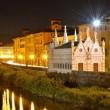 Church Santa Maria de la Spina and Arno river at night, Pisa, Tu — Stock Photo