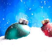 Weihnachten schnee eis bokeh winter kugel weihnachtsbaum — Foto de Stock