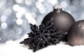 Weihnachten schnee eis stern Schwarz winter kugel weihnachtsbaum — Foto de Stock
