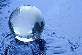 Globus erdball geo karte glas kristal wasser splash ozean — Stock Photo