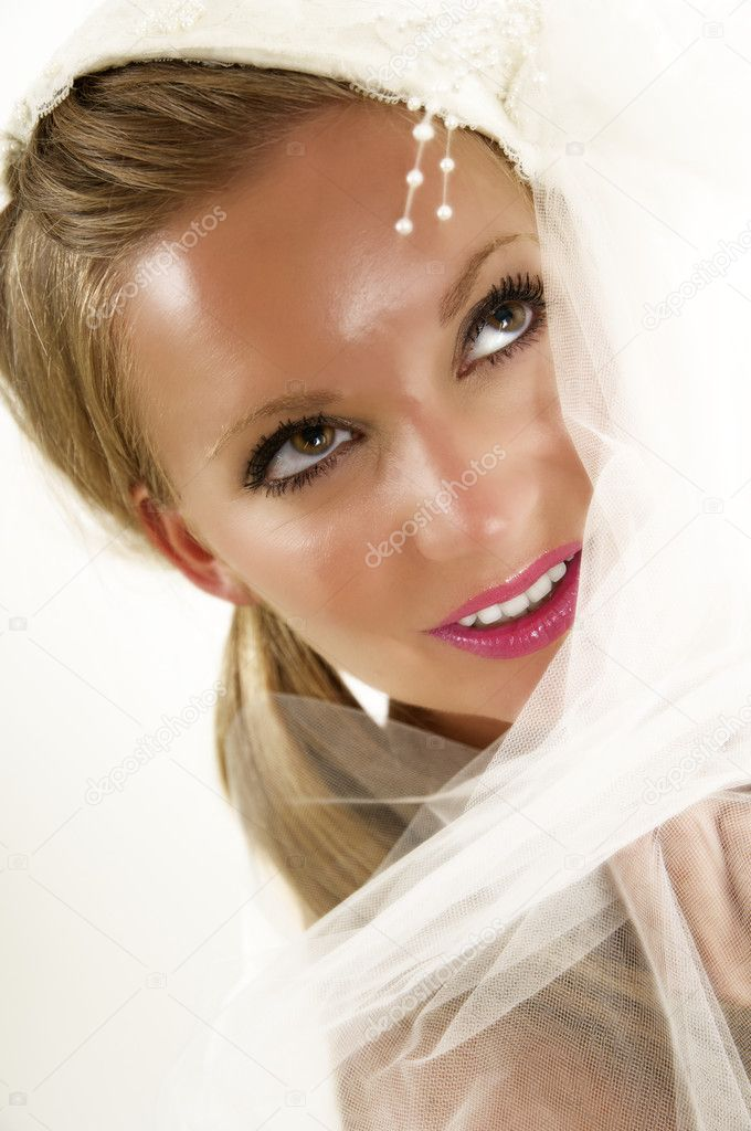 Portrait of a beautiful young bride.  Stock Photo #7619602