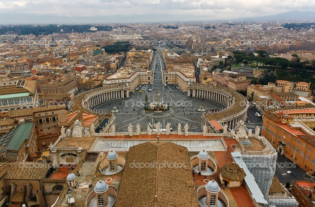 Panoramic view from St. Peters in Rome — Stock Photo #7335918