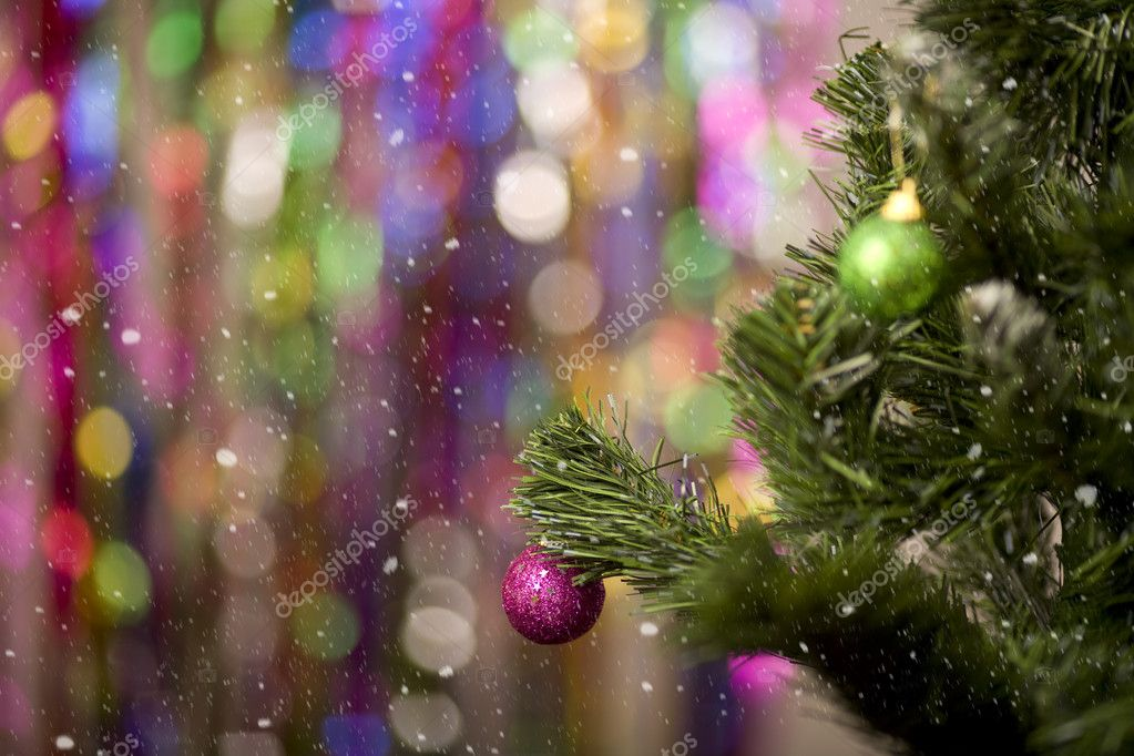 Christmas tree with balls on bright colourful background — Stock fotografie #7305296