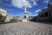 Monument sur la place restauradores, à lisbonne, portugal — Photo