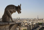 Horned Gargoyle With Eiffel Tower — Stock Photo