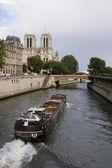 Francês de barco no rio — Foto Stock