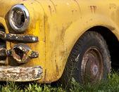 Rusting Yellow Truck Detail — Stock Photo