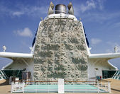 Climbing Wall On Cruiseship — Stockfoto