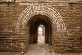 Arcos sobre a grande muralha da china — Foto Stock
