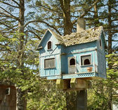 Blue Birdhouse — Stock Photo
