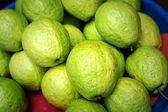 Guawa świeże owoce tło — Zdjęcie stockowe