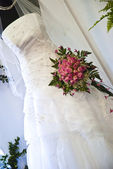 Beautiful white wedding gown — Stok fotoğraf