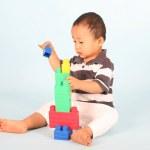 barn spelar block — Stockfoto