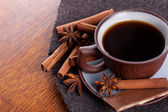 Coffee and chocolate on the wood background — ストック写真