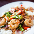 Shrimp and chicken stir fry — Stock Photo