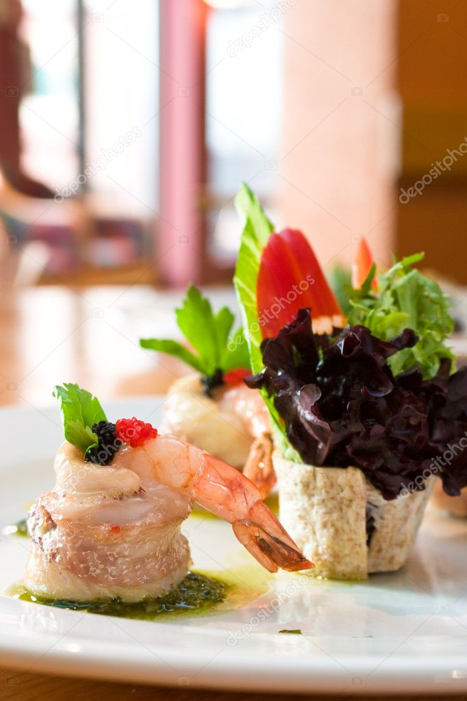 Shrimp appetizer wrapped in scallops — Stock Photo #7612682