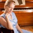 Pianist women — Stock Photo
