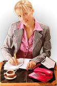 Blond women work at the office — Stockfoto
